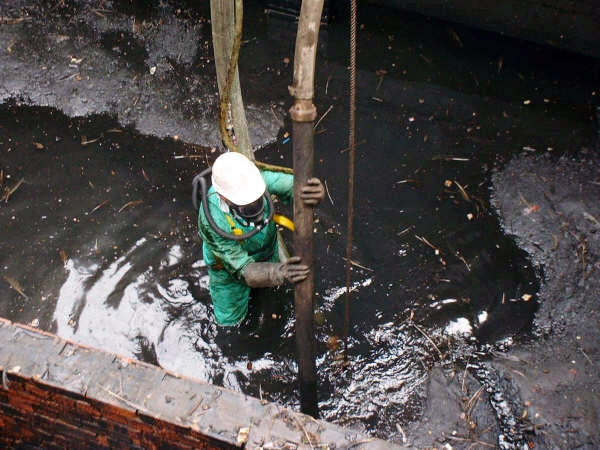 Specialist Services - tank and pit cleaning
